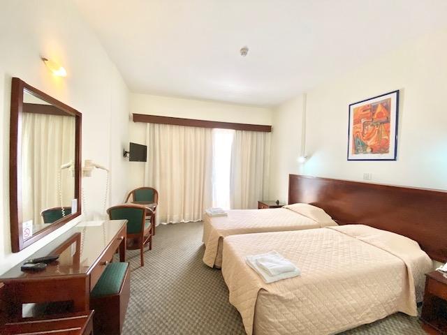 deluxe profitable hotel13 shops - 4