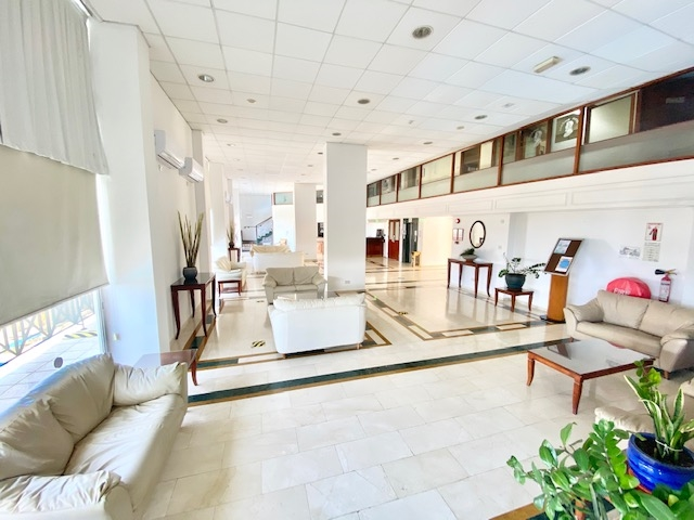 deluxe profitable hotel13 shops - 10