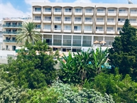 deluxe profitable hotel13 shops - 2