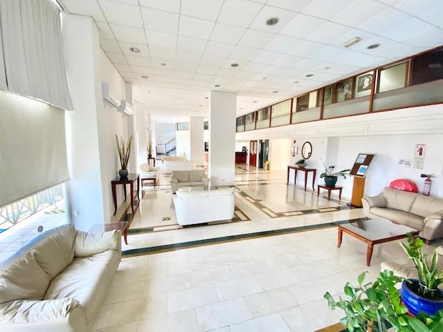 deluxe profitable hotel13 shops - 12